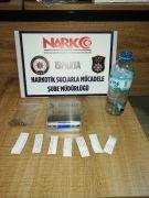 Isparta'da 7 paket esrar maddesiyle yakalanan şüphelilere gözaltı