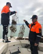 Kaçak avcılıkta kullanılan 200 metre ağ ile 515 kerevit sepeti ele geçirildi