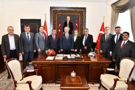 """Vali Seymenoğlu: """"Eğirdir Belediyesi'nden çok şey bekliyoruz"""""""