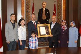 Isparta'da 6 şehit ailesine Devlet Övünç Madalyası verildi