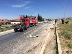 Kamyonet ile çarpışan pat pat sürücüsü hayatını kaybetti