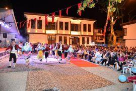 Ramazan Sokağı'nda yöresel gösteriler