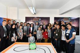 Teknoloji çağı öğrencilerine robotik sınıf açılışı