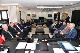 Vali – Başkan görüşmesinde ortak hizmet, uçak seferleri ve turizm hedefleri