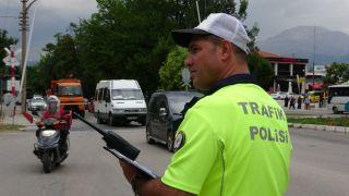 Isparta'da polis modifiyeye göz açtırmıyor