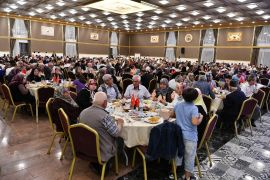 Isparta'da şehit ve gazi aileleri yemekte bir araya geldi