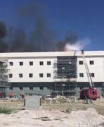 Kara Havacılık Okulu'nda inşaat halindeki binada yangın