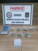Balkonda uyuşturucu satışına suçüstü baskın: 5 gözaltı
