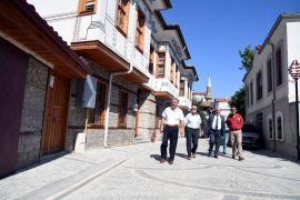Isparta Belediyesi'nden kente örnek sokak uygulaması