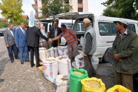 Belediye Başkanı Başdeğirmen zahir pazarı üreticisiyle buluştu