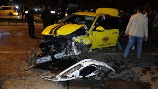 Makas atan sürücü zincirleme kazaya sebep oldu: 3 yaralı