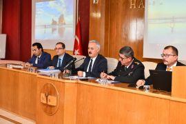 Vali Seymenoğlu'ndan okul kantini ve öğrenci servisi denetiminin arttırılması talimatı