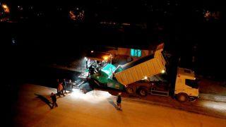 Ayazmana'da tamamlanan altyapı çalışmaları sonrası gece – gündüz asfalt dökülüyor