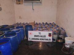 Isparta'da 6 ton kaçak içki ele geçirildi