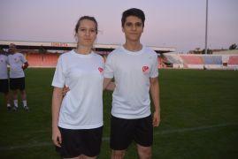 Isparta'da abla – kardeş futbol hakemleri