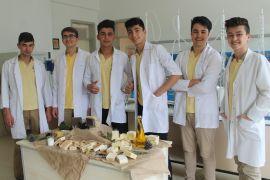 Lise öğrencilerinden sağlık için doğal sabun üretimi