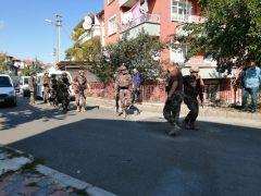 Pompalı tüfekle rastgele ateş açan şahıs polisi alarma geçirdi