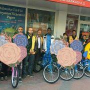Isparta'da yetim çocuklar bisikletlendiriliyor