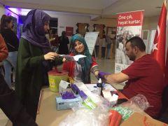 KYK'lı öğrencilerden, Türk Kızılayı'nın kök hücre bağışı kampanyasına destek