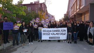 Katledilen üniversiteli Güleda'nın apartı önünde eylem