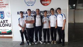 Isparta'da antrenör muhtarın çalıştırdığı dart sporcusu Türkiye 3.'sü oldu