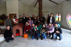Üniversitelilerden belediye desteğiyle 'Patilerimiz Üşümesin' projesi