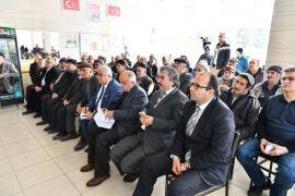 Vali Seymenoğlu, köylerde vatandaşların sorunlarını dinliyor