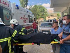 Dördüncü kattan düşen kadın sağlık ekiplerince hayata döndürüldü