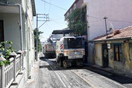 Isparta Belediyesi 30 yıldır asfalt görmeyen mahallelerde çalışma yapıyor