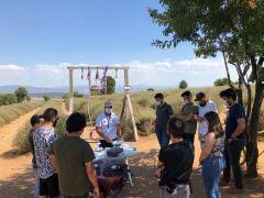 Lavanta bahçelerinin son ziyaretçileri drone pilotları oldu