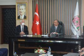 """AK Parti'li Özhaseki: """"Belediyecilikte şampiyonuz"""""""