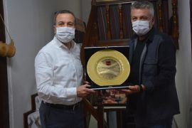 Isparta Emrespor'dan Milletvekili Gökgöz'e plaket