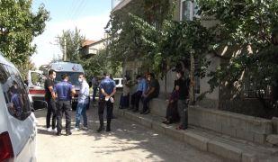 Isparta'da uzaktan eğitime saatinde katılmayan öğretmen evinde ölü bulundu