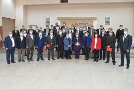 Isparta Belediye Başkanı Başdeğirmen'den muhtarlara plaket