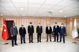 Şehit yakınları ve gazilerden Belediye Başkanı Başdeğirmen'e dernek binası teşekkürü