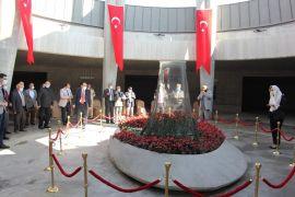 9. Cumhurbaşkanı Demirel, 96'ncı doğum gününde kabri başında anıldı