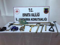 İstanbul'dan gelip, antik kentte kazı çalışması yaparken suçüstü yakalandılar