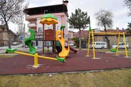 Isparta'da 42 parka yeni çocuk oyun alanı kuruluyor