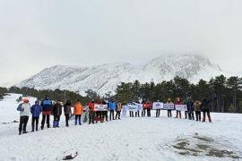 Yılın ilk tırmanışını Dedegöl dağı zirvesine yaptılar