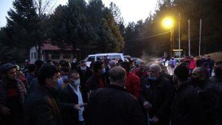 Taciz iddiasını duyan köylüler toplandı, kalabalığı jandarma dağıttı