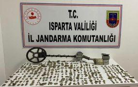 Isparta'da elindeki tarihi eserleri satmak isteyen şahsa operasyon