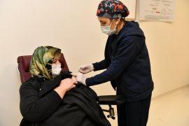 Isparta'da 186 bin 408 doz Covid-19 aşısı uygulandı