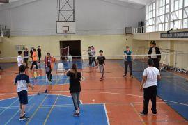 Isparta'da pandemi nedeniyle ara verilen ücretsiz yaz spor okulları yeniden başlıyor